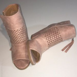 Pink suede booties size 8, Brand New!